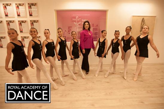 7dc59dbb25 prev. next. 41 Anos de tradição em ballet clássico. Ballet Bahiano de Tênis  nasceu da proposta de que toda bailarina ...