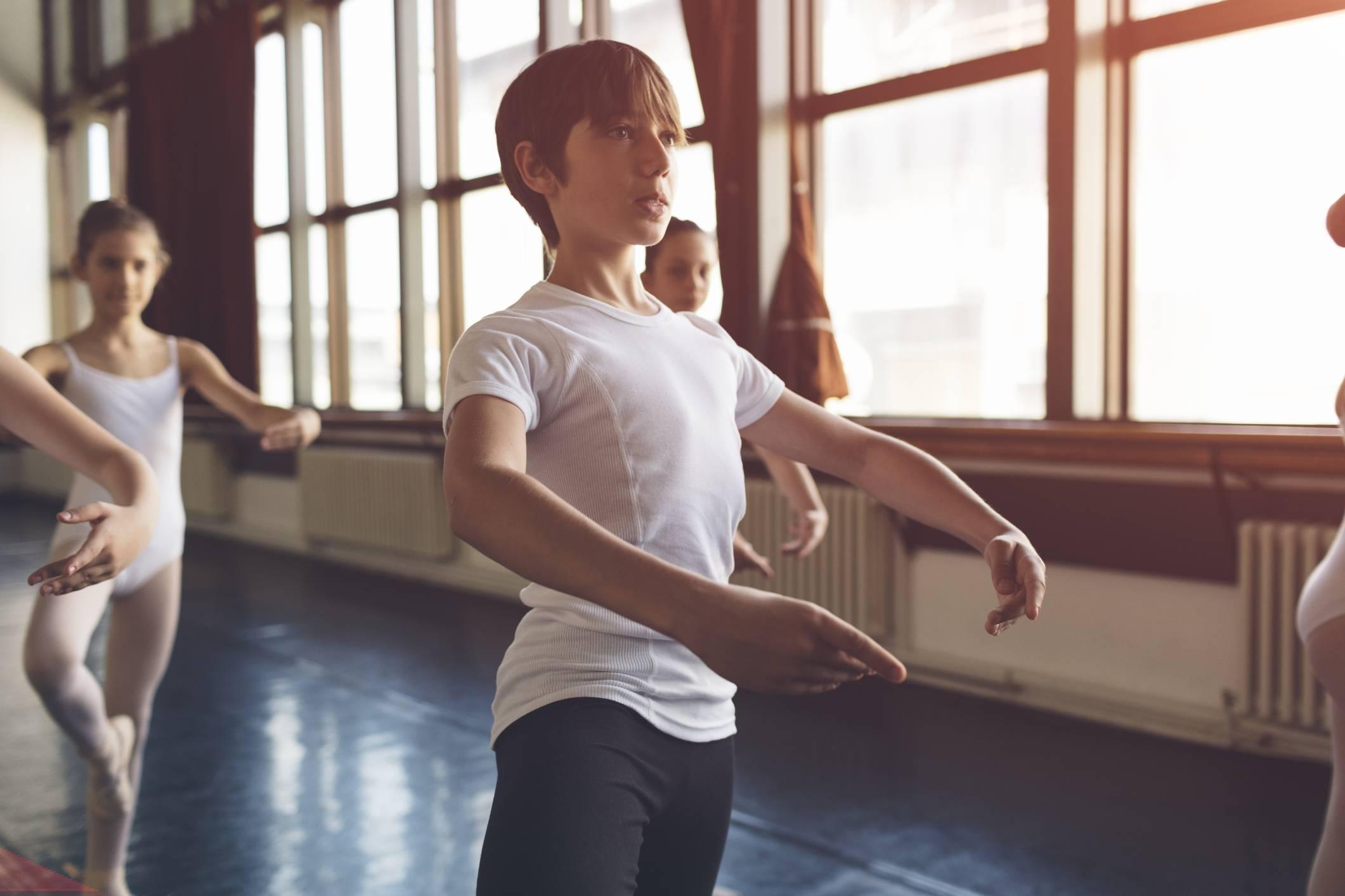 Entanda quais são os benefícios do ballet clássico para a saúde